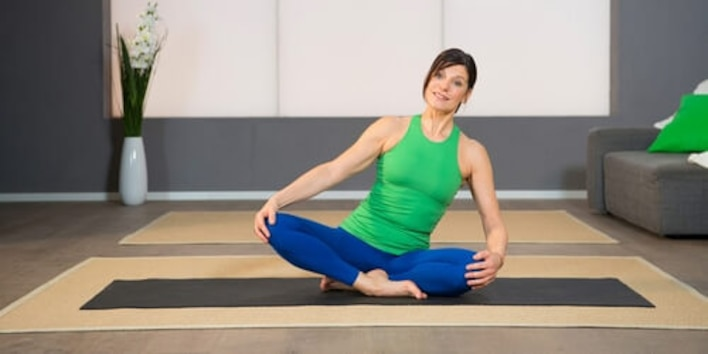 Yoga Pilates Übung - Dreieck Beckenbodenstärkung