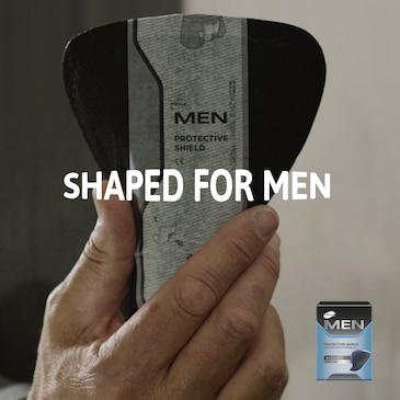 TENA Men-innlegg er formet for å gi en god tilpasning for menn