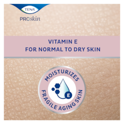 Arricchita con vitamina E, TENA ProSkin Body Lotion idrata la cute fragile e particolarmente secca degli anziani