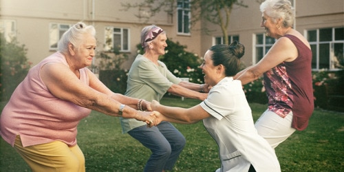 204002_TENA-Lifestyle-old-women-exercising-with-nurse_780x390.png